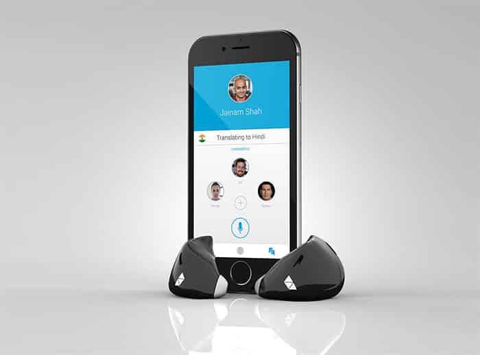 O dispositivo é associado com um app de celular.