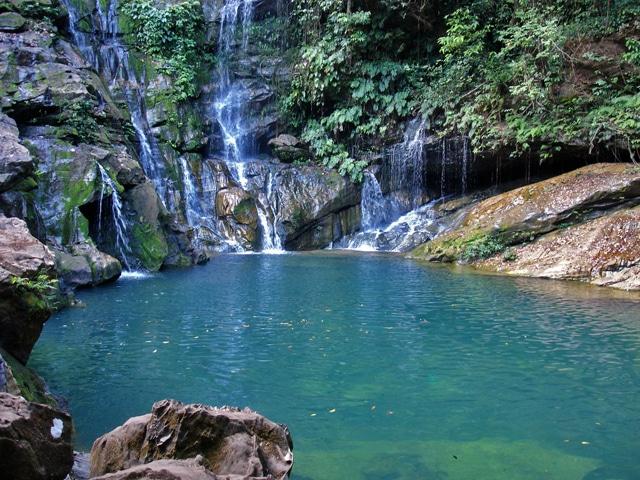 Cachoeira do Poço Azul.