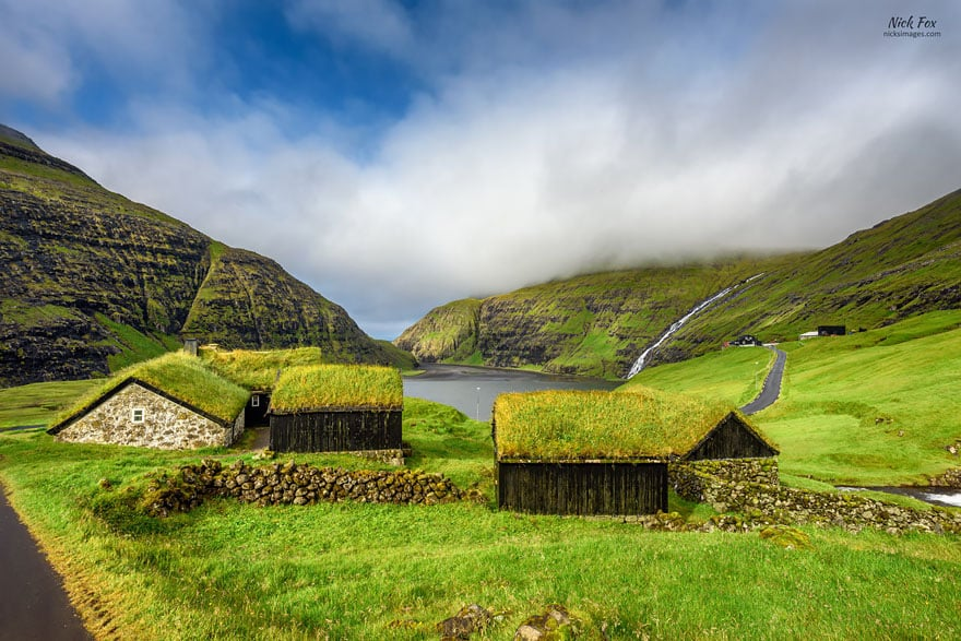Saksun Village, Ilhas Faroe. Foto Nick Fox