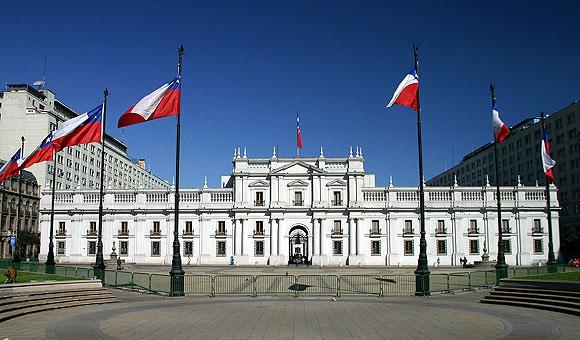 Palacio De La Moneda. Foto via