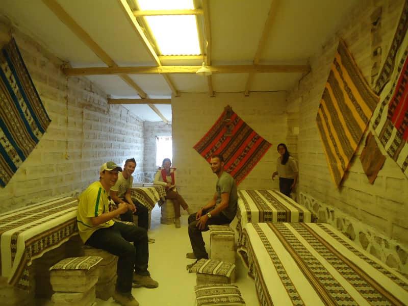 Albergue no Salar de Uyuni. Foto via Melhores Destinos