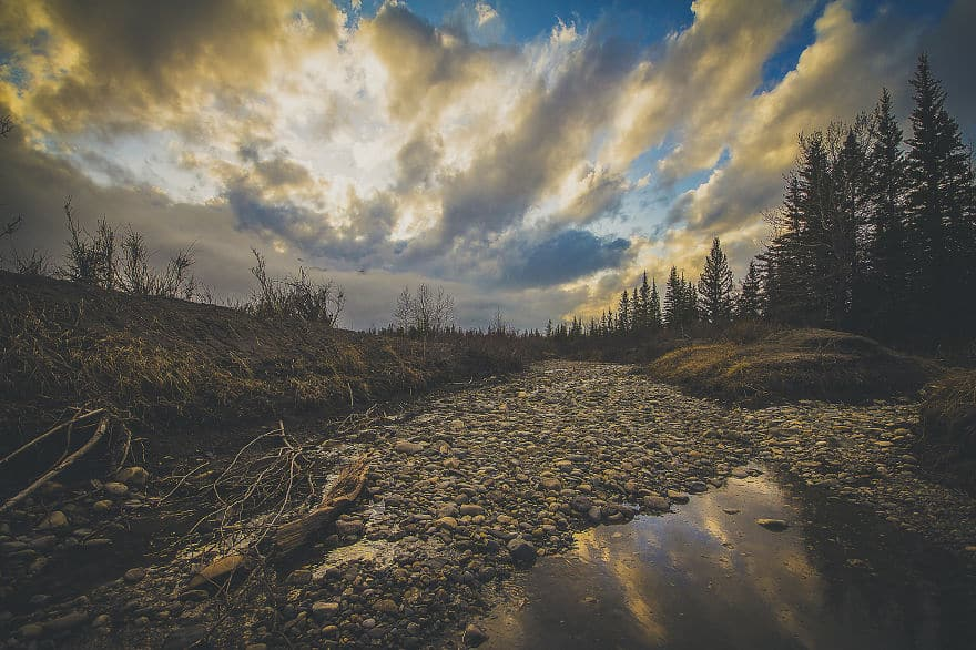 Majestic-Lands-of-Alberta-Through-Interpretative-Photography-57b38a17a2eb2__880
