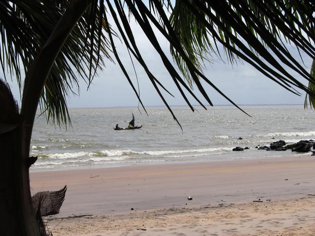 Praia da Mangueira. Foto via