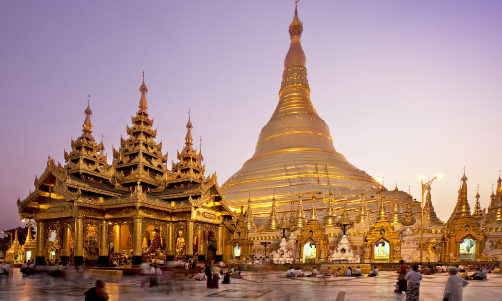 Shwedagon Paya. Foto via.