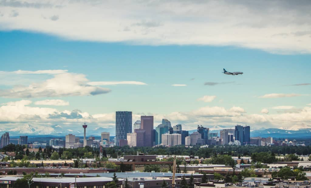 Vista de Calgary Tower. Foto via