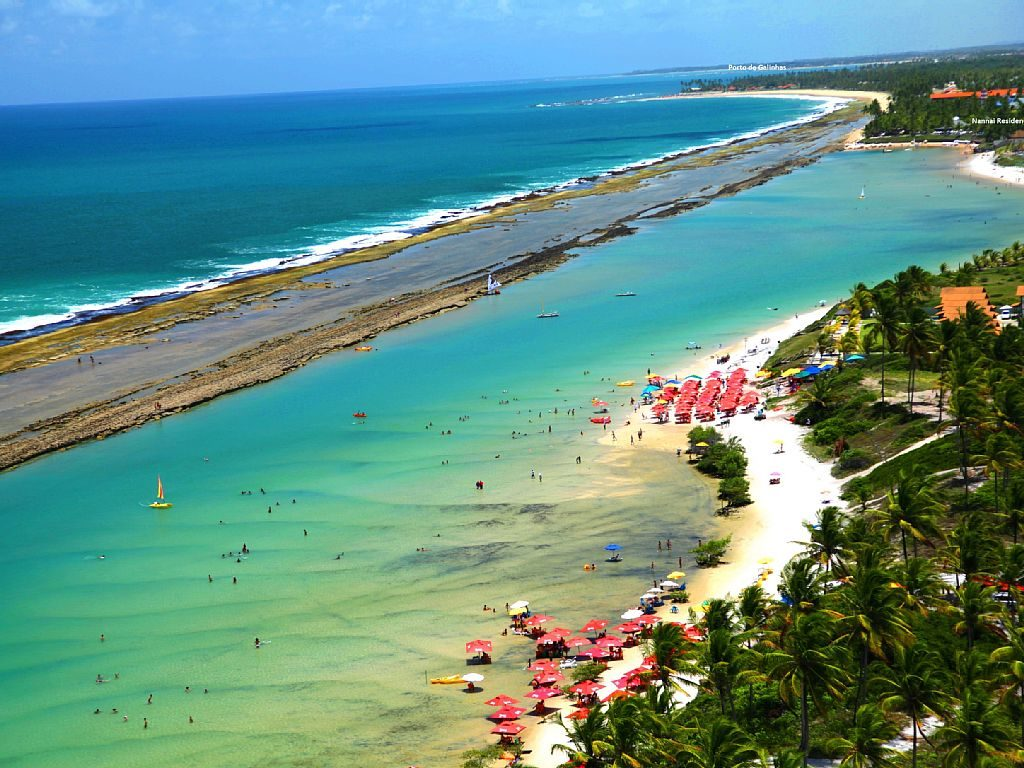 Praia de Muro Alto. Foto via