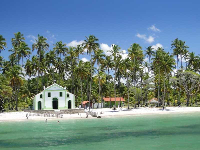 Praia dos Carneiros. Foto via