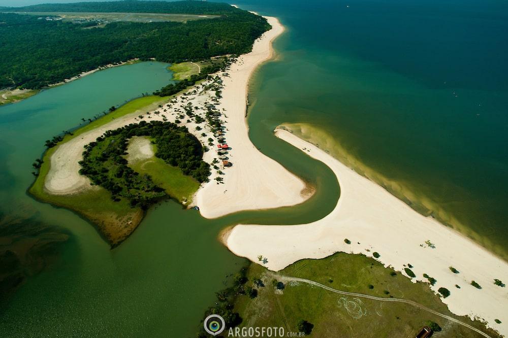 Vista aérea do Rio Tapajos.