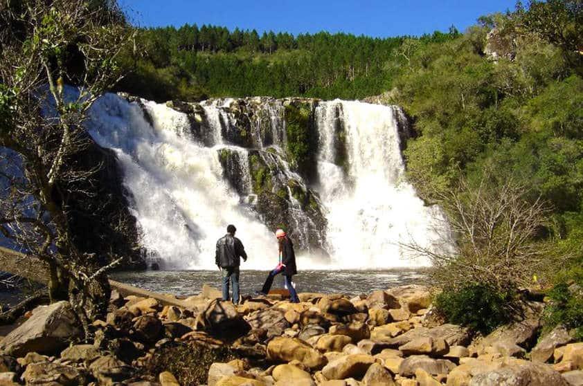 camping-parque-da-cachoeira-canela-rio-grande-do-sul-divulgacao