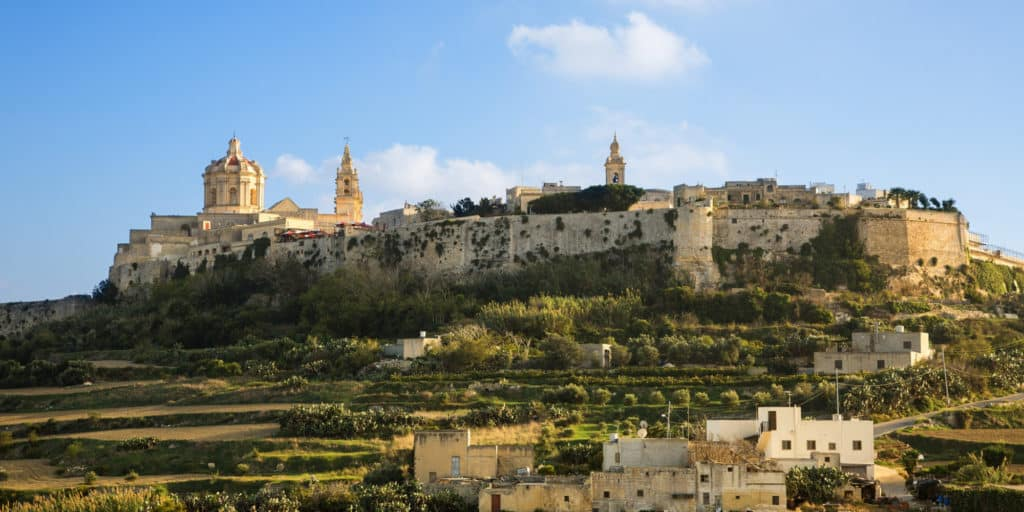 Catedral St. Paul e os muros de Mdina. Foto via