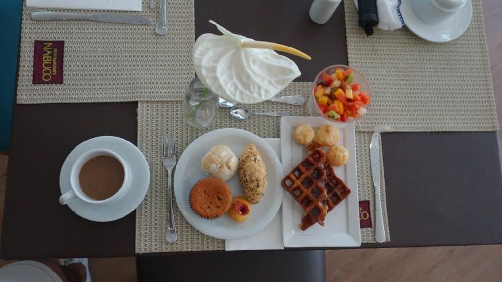 Café da manhã no Radisson Recife