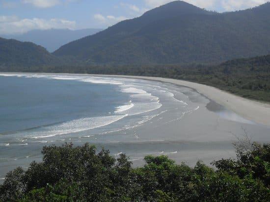 Praia da Fazenda em Ubatuba | Fonte: Trip Advisor