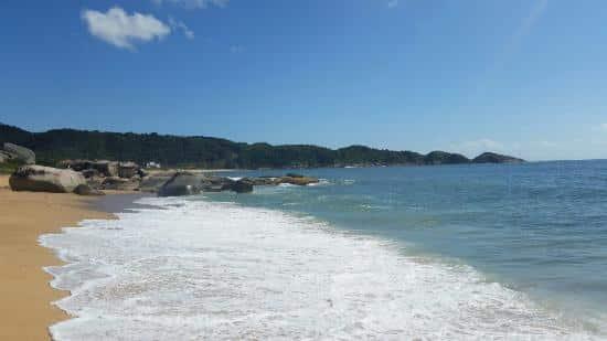 Praia do Estaleiro | Fonte: TripAdvisor
